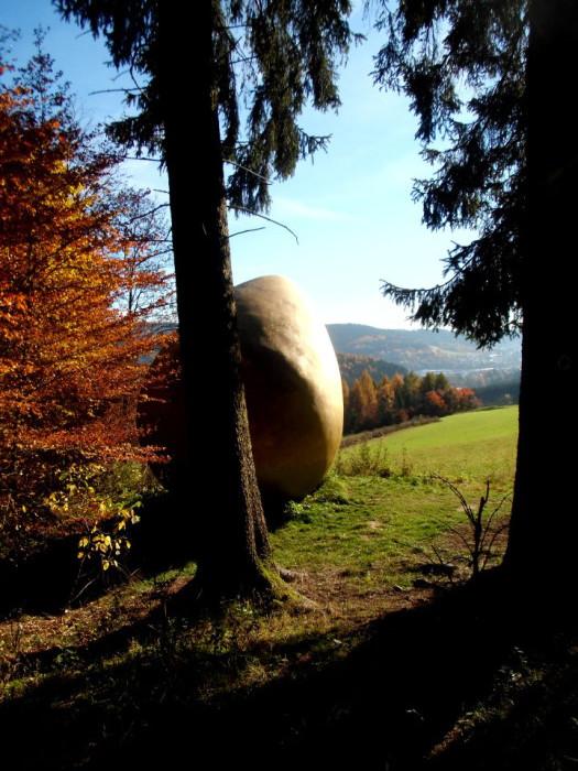 Goldenes Ei am WaldSkulpturenWeg